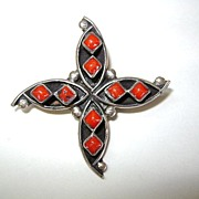 """VINTAGE Zuni Made Coral """"Star Fish Like"""" Lapel Brooch Sterling"""