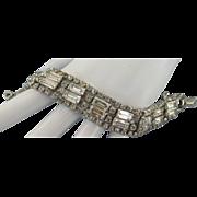 VINTAGE Weiss Bright  Rhinestone Bracelet 7 Inch
