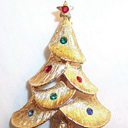JJ: Rhinestone & Scalloped Christmas Tree Pin