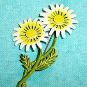 Vintage Hedy Enamel Daisy Pin