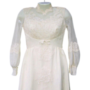 SALE Vintage Early to Mid-Century Taffeta & Lace Wedding Gown (Small Size)