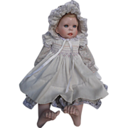 REDUCED Porcelain LE   Middleton  Baby Grace  Doll  RT 1990