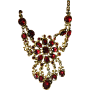 Vintage red stones Necklace