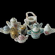 adorable mini Tea pots-Dollhouse