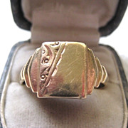 Man's Vintage 9ct Gold English Signet Ring, Size 11.5