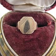 SOLD Vintage 9ct gold signet Ring, Size 3.25