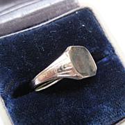 Vintage 10K Gold Signet Ring, Size 4.25