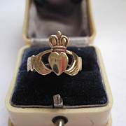 Vintage 9ct Gold Irish Claddagh Ring, Size 7.5
