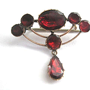 Beautiful Georgian 9kt Garnet Pin