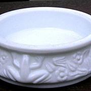 White Milk Glass Frog Open Salt or Nut Dish