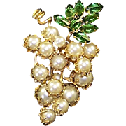 SCHREINER Simulated Pearl Grape Bunch Pin