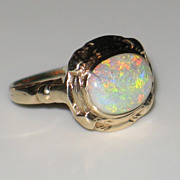 Antique, Beautiful Natural Opal Ring in 10k Yellow Gold.