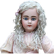 Helen ~ Light Ash Blond Mohair Wig No Bangs (Size 8-9)
