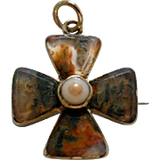 A Georgian 15ct Gold and Agate Maltese Cross Circa 1830.