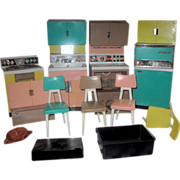 REDUCED OOOOH - Remember Playing With Barbie and Your Deluxe Reading Kitchen in the 1960s