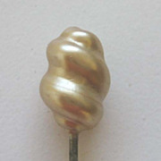 Antique Pearl swirled short hat pin