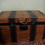Antique wooden litho doll trunk