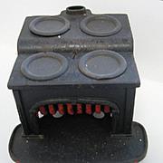 Antique Bay St doll house miniature cast iron kitchen stove c1885
