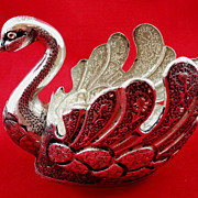 Beautiful Persian 875 silver swan-shaped centerpiece with niello
