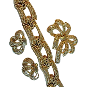 Trifari Gold Tone Parure Buckles Bows ~ Bracelet, Brooch, Earrings