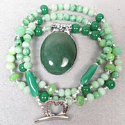VENUS IN GREEN Necklace Aventurine Vintage Bohemian Glass Czech Art Glass Ancient Roman Goddes