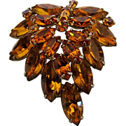 Vintage Weiss Classic Mid Century Faux Amber Crystal Leaf Pin