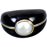 Modern estate 14k gold black onyx mabe pearl wire work ring