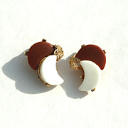 SALE Vintage Brown and White Thermoset Crescent Moon Earrings