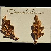 SALE Vintage Signed OSCAR de la RENTA Gold Toned Earrings, Original Card