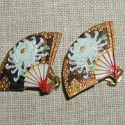 SALE Toshikane White Chrysanthemum Earrings