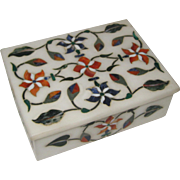 White Makrana Indian Marble Jewelry or Trinket Box Inlaid with Semi-Precious Stones