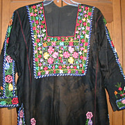 Traditional Vintage Palestinian Embroidered Arab Dress