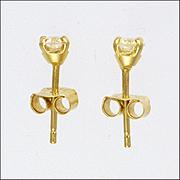 English Diamond Stud Earrings on 18 Carat Gold