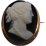Stunning Antique Black & White Stone Carved Cameo Brooch