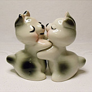 RARE Bunny Hug Set - Signed R. Bendel - aka Ruth Van Tellingen Salt and Pepper Snuggle ...