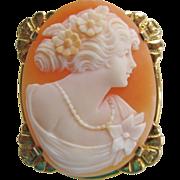 Vintage 10K Gold Carved Cameo Brooch