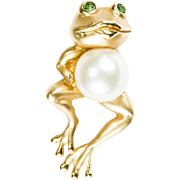 Adorable Emerald Eye Pearl Belly Frog Pendant 14k Gold