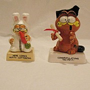 SALE Vintage Collectible Garfield Ceramic Figurines Here Comes Kitty Cottontail & ...