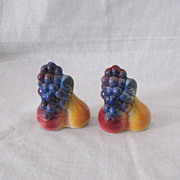 SALE Vintage Collectible Shawnee Fruit Shakers 1940-50s Excellent Condition
