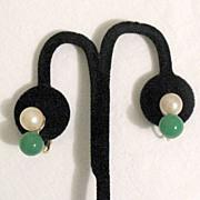SALE 50% OFF~Gorgeous Vintage Clip Earrings 10mm Jadeite & Glass Pearls