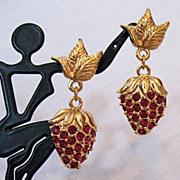 SALE Radiant Signed Avon Strawberry Sparkle Vintage Pierced Earrings