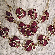 SALE 50% OFF~Gorgeous Vintage Red Thermoset Rhinestone Parure Necklace Bracelet Earrings~MINT!