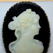 Vintage 1920's Carved Agate 14K Cameo Brooch / Pendant