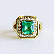 Exceptional Vintage 18K Lady's Or Gent's Emerald & Diamond Ring
