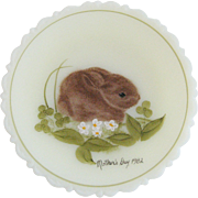 Fenton 1982 Mother's Day Plate - Brown Bunny