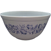 SALE Pyrex Colonial Mist Mixing Bowl