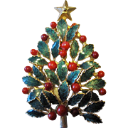 Unusual And Beautiful Holly Berry and Foliage Christmas Tree Holiday Pin