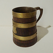 ENGLISH 19th C. Oak and Brass Mug