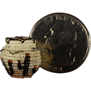 SOLD Vintage Miniature Horsehair Basket by Tohono O'odham, Papago, Native American