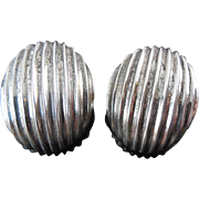 Vintage Sterling Silver Ribbed Earrings Mexican Silver TL-94 970 Silver